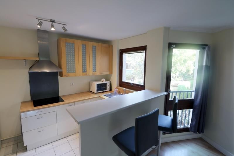 Rental apartment Le chesnay 1250€ CC - Picture 2