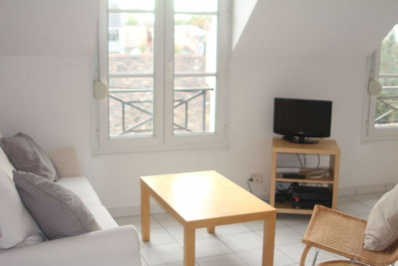 Rental apartment Fontainebleau 795€ CC - Picture 2