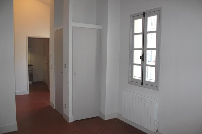 Rental apartment Villeneuve-les-avignon 450€ CC - Picture 2