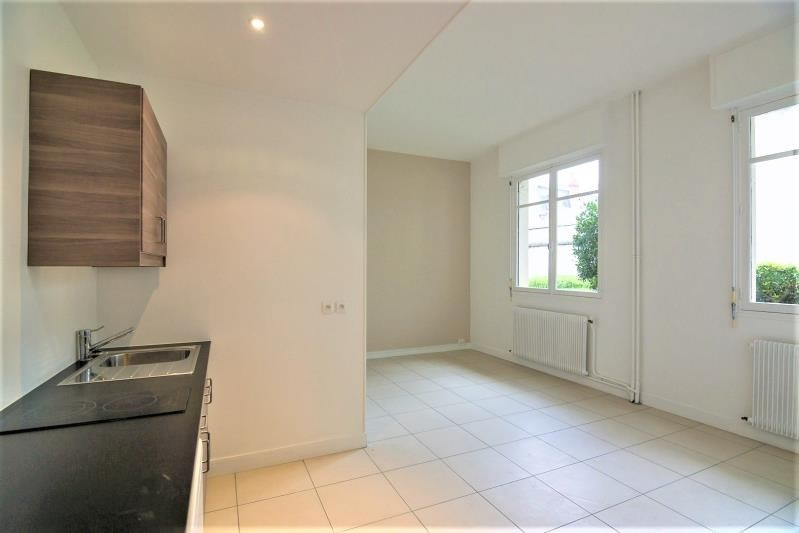 Rental apartment Dijon 450€ CC - Picture 1