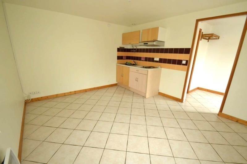 Rental house / villa Eragny 769€ CC - Picture 3