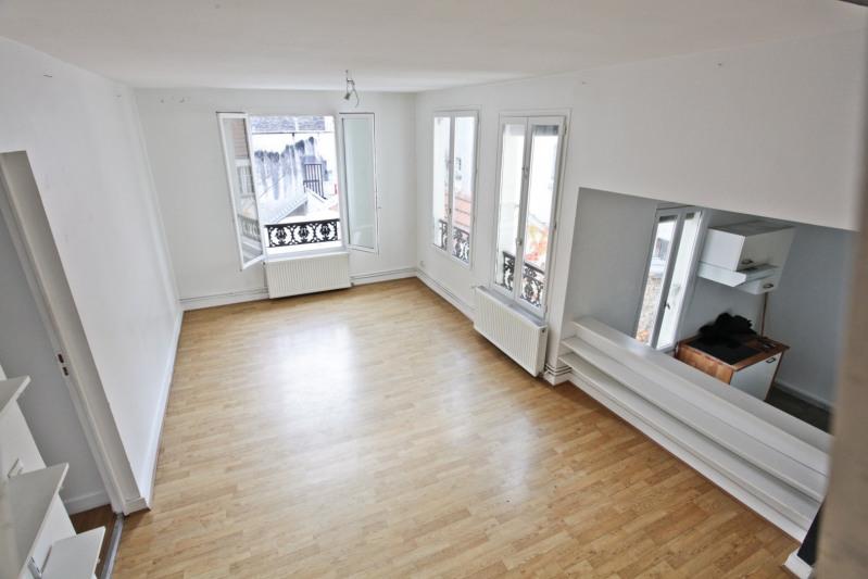 Sale apartment Paris 10ème 700000€ - Picture 3