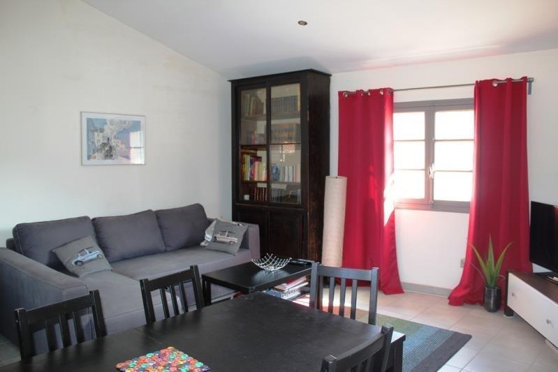 Rental apartment Villeneuve les avignon 750€ CC - Picture 2