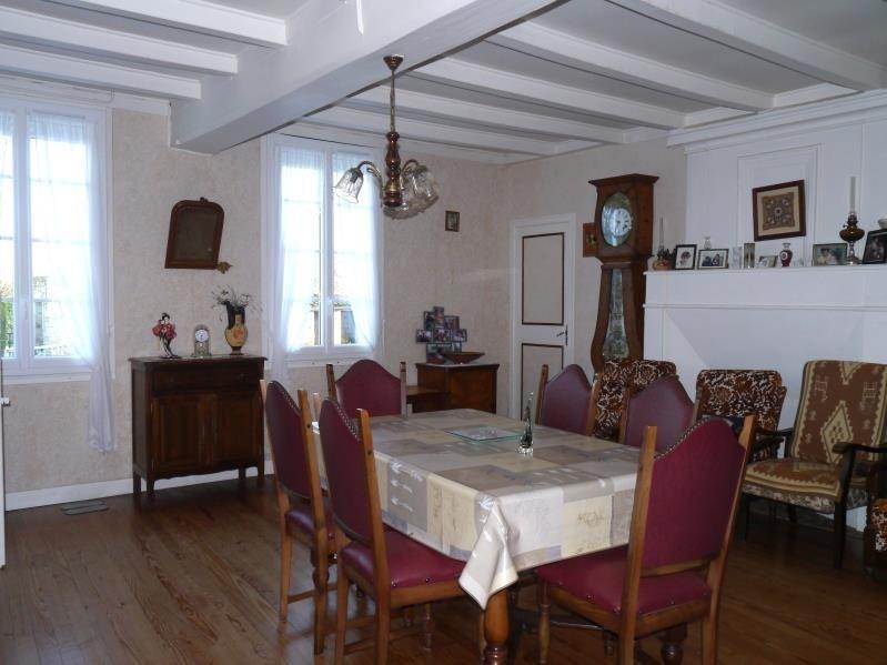 Sale house / villa Pons 164300€ - Picture 3