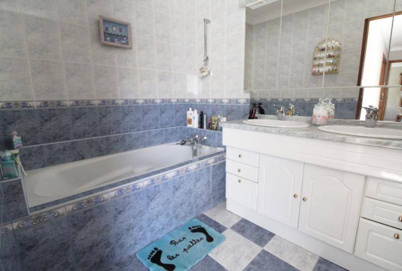 Sale house / villa Maurepas 378000€ - Picture 6