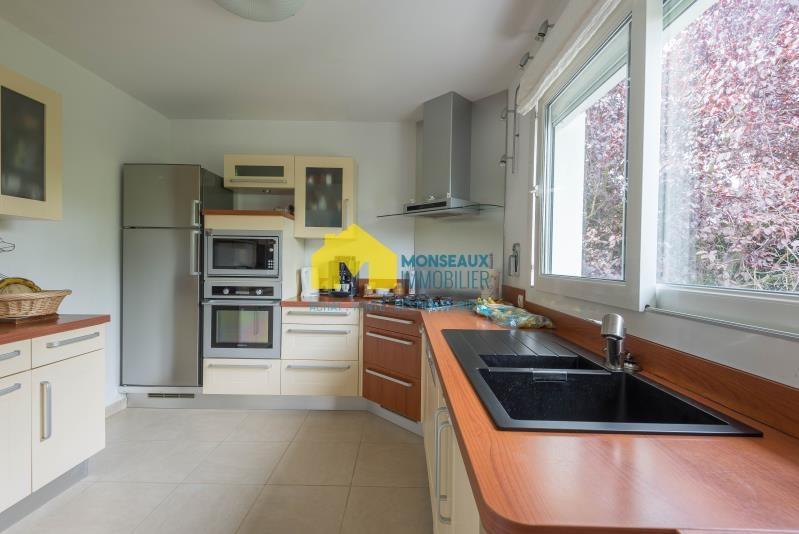 Sale house / villa Ste genevieve des bois 490880€ - Picture 1