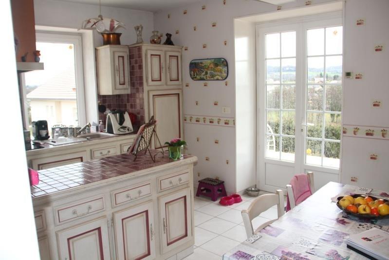 Sale house / villa Les abrets en dauphiné 324000€ - Picture 4