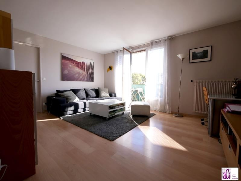 Sale apartment Chevilly larue 171000€ - Picture 1