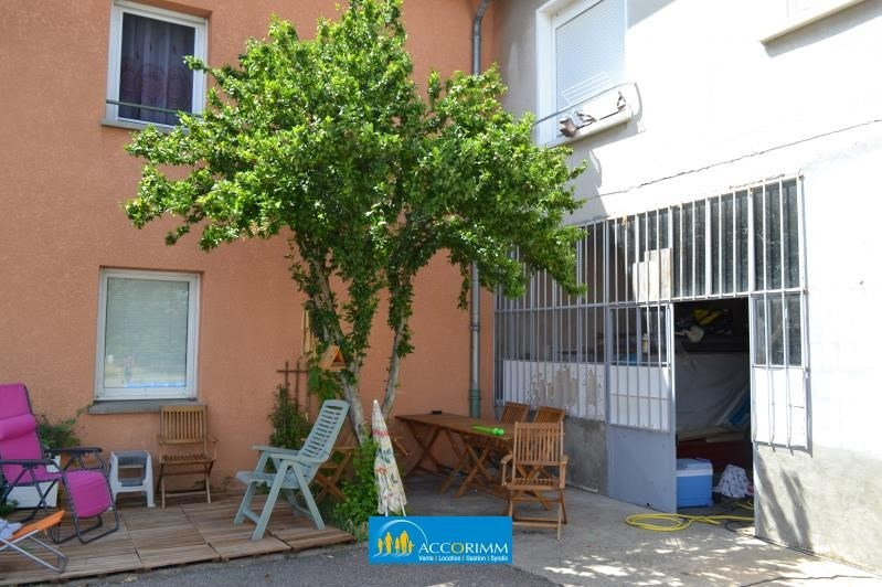 Investment property building Corbas 1350000€ - Picture 10