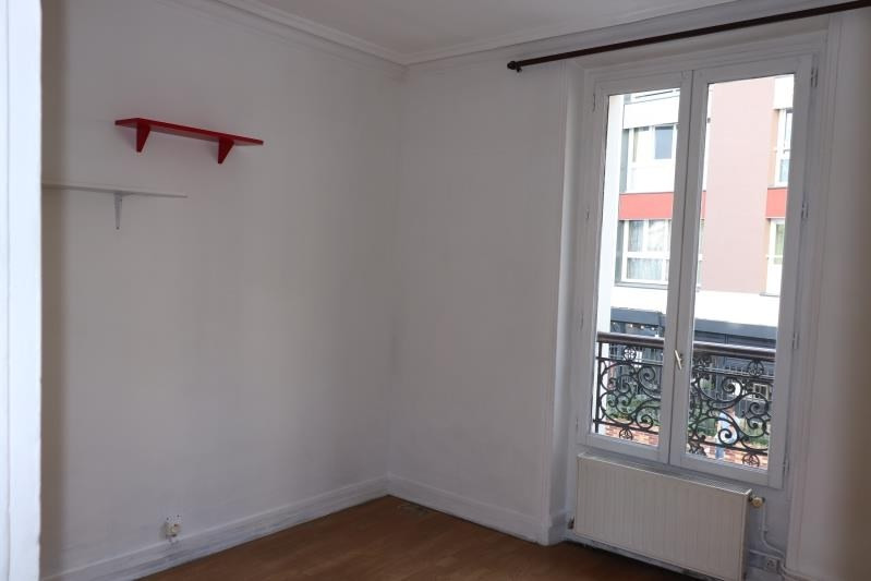 Locação apartamento Paris 18ème 994€ CC - Fotografia 5