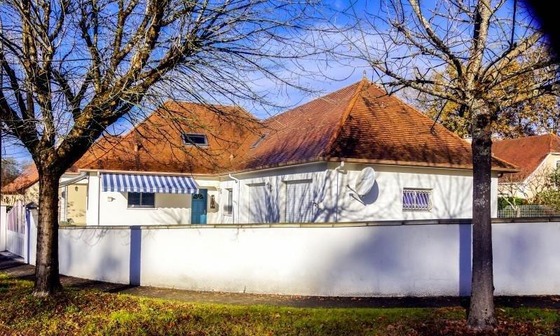 Sale house / villa Lons 372000€ - Picture 1