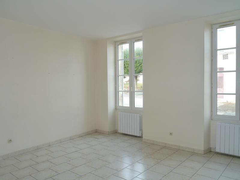 Rental apartment Tesson 550€ CC - Picture 4