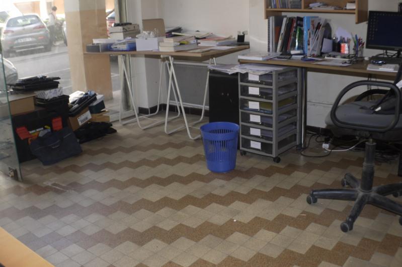 Rental empty room/storage Marseille 10ème 315€ HC - Picture 3