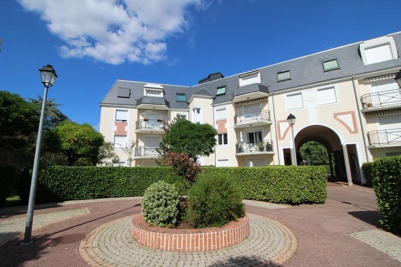 Rental apartment Croissy sur seine 1887€ CC - Picture 1