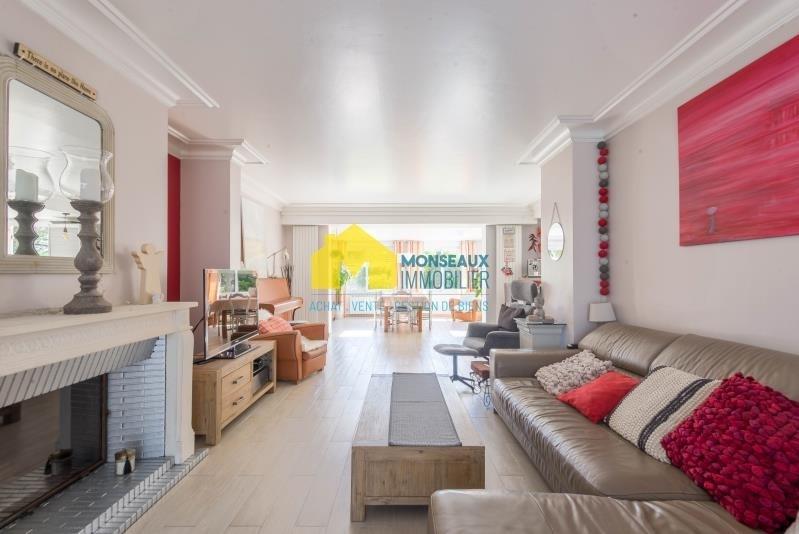 Sale house / villa Ballainvilliers 499000€ - Picture 1