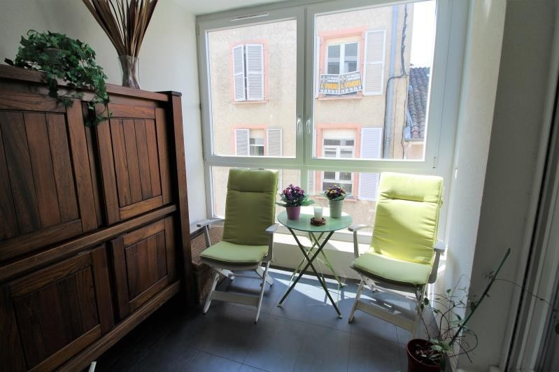 Revenda apartamento Voiron 210000€ - Fotografia 3