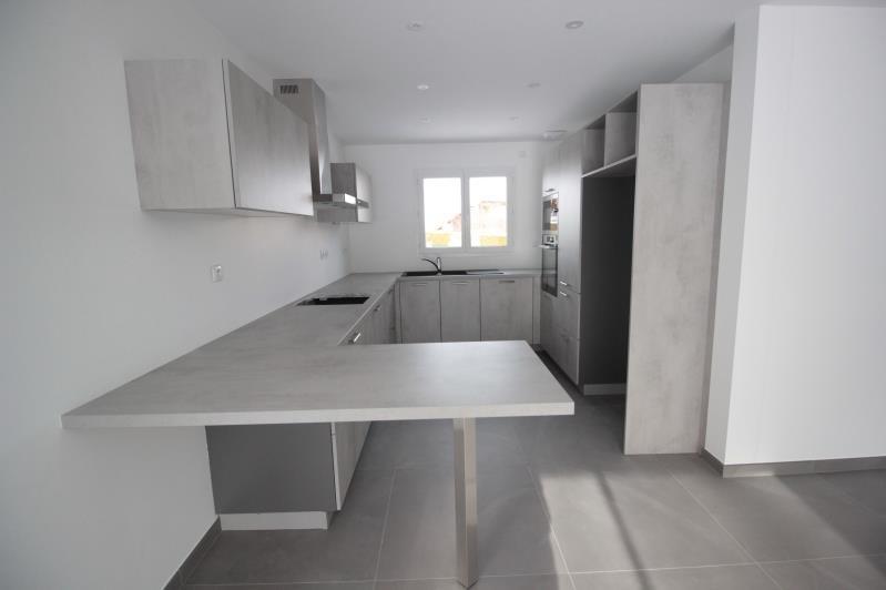 Sale house / villa La roche sur foron 375000€ - Picture 3