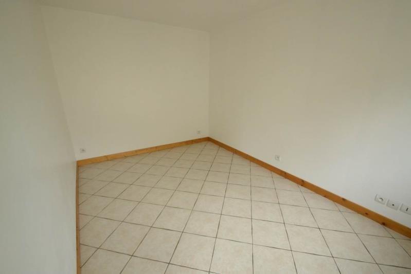 Rental house / villa Eragny 769€ CC - Picture 7