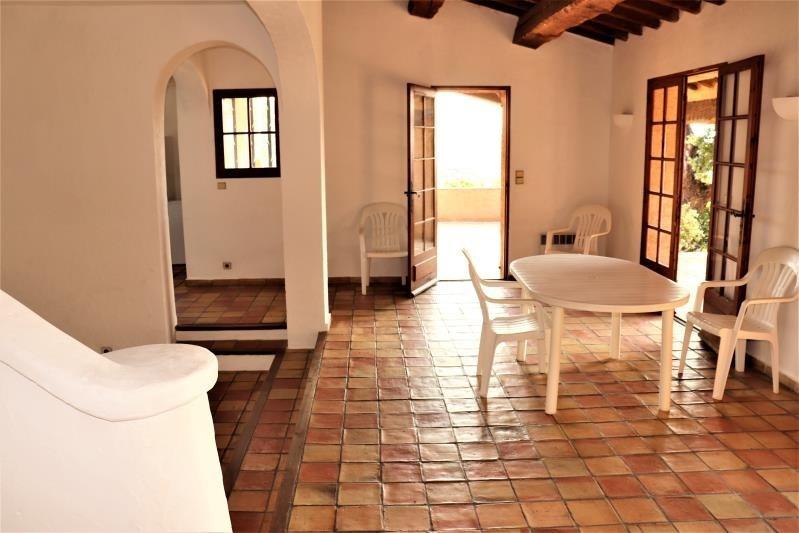 Deluxe sale house / villa Cavalaire sur mer 599000€ - Picture 2