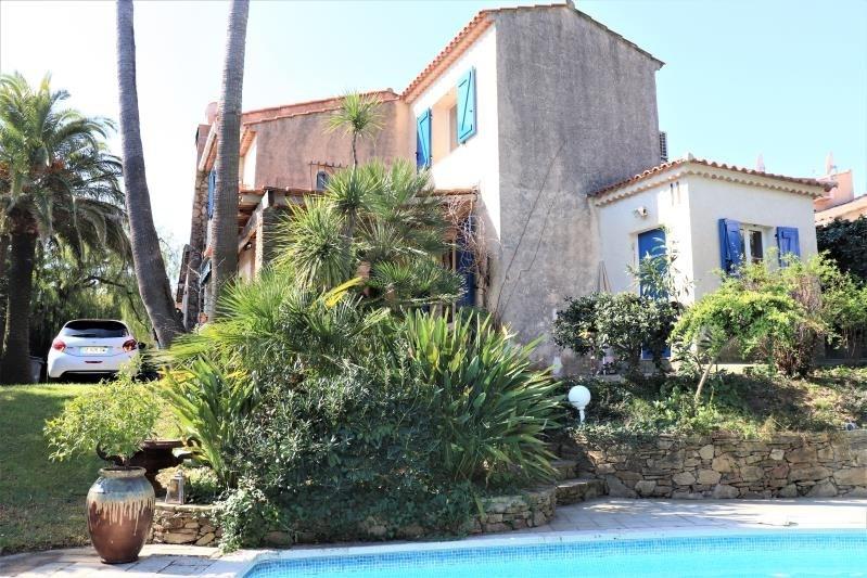 Deluxe sale house / villa Cavalaire sur mer 690000€ - Picture 2