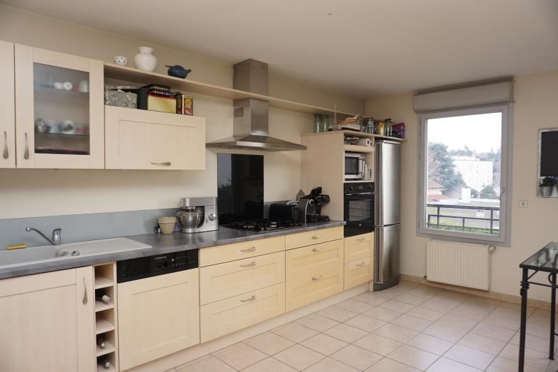 Sale apartment Ste foy les lyon 420 000€ - Picture 2