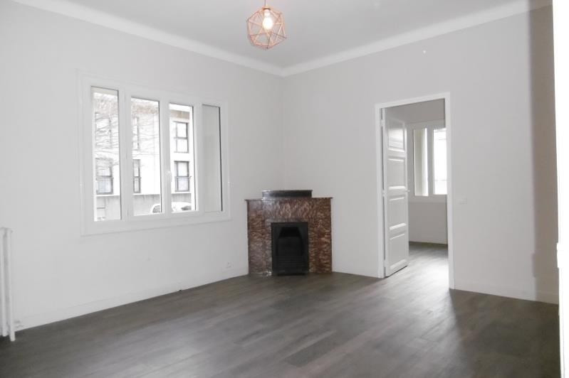 Rental apartment Aix en provence 1010€ CC - Picture 1