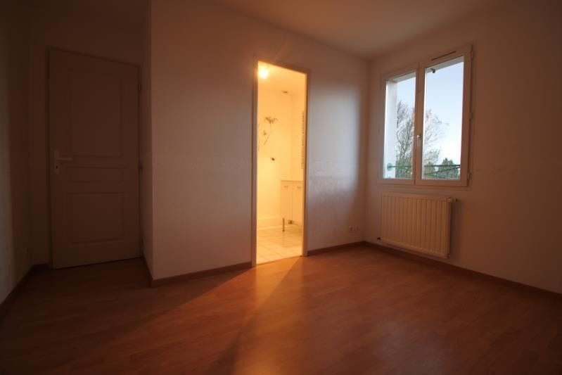 Location maison / villa L eguille 950€ CC - Photo 10