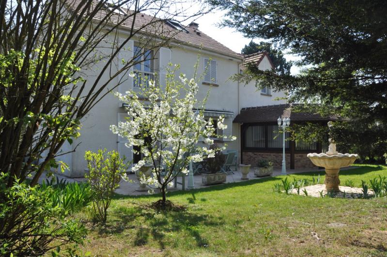 Sale house / villa St nom la breteche 740000€ - Picture 15
