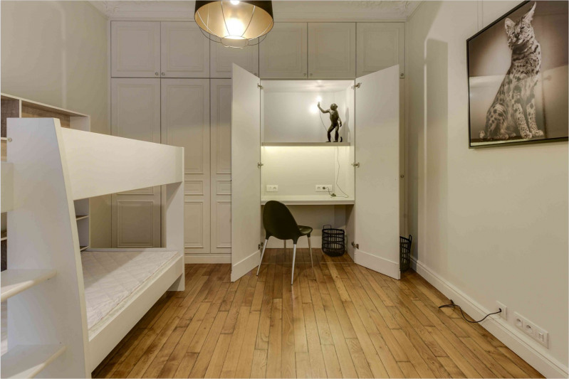 Location appartement Paris 9ème 6 500€ CC - Photo 17