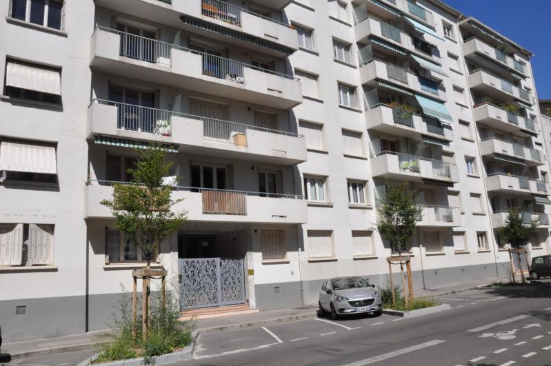 Revenda apartamento Lyon 3ème 370000€ - Fotografia 2