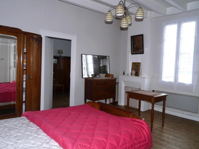 Sale house / villa St fort sur gironde 137800€ - Picture 6