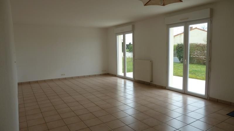 Rental house / villa St georges des gardes 596€ CC - Picture 4