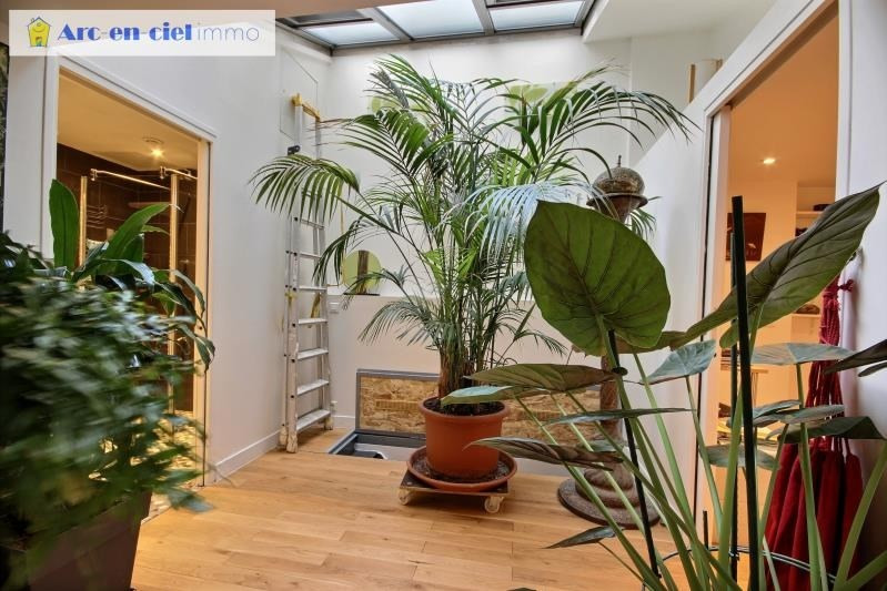 Deluxe sale loft/workshop/open plan Paris 18ème 1 100 000€ - Picture 4
