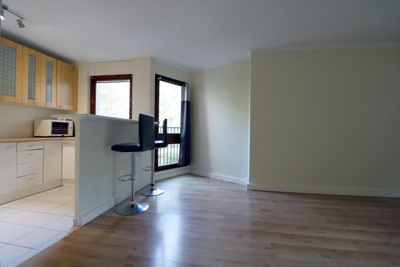 Rental apartment Le chesnay 1250€ CC - Picture 3