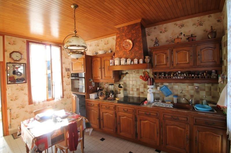 Sale house / villa La chartre sur le loir 110000€ - Picture 2