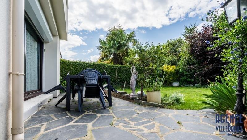 Sale house / villa Villepreux 372750€ - Picture 1