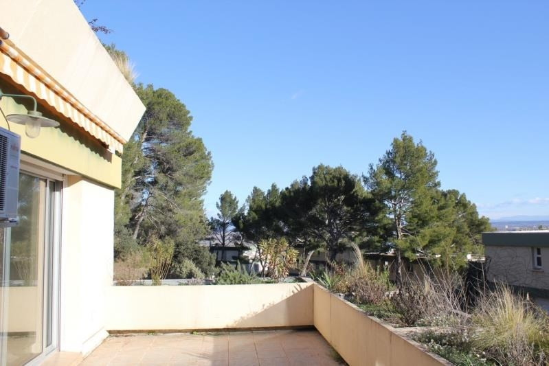 Sale apartment Villeneuve les avignon 260 000€ - Picture 2