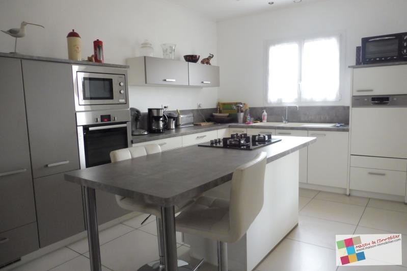 Investment property house / villa Meschers sur gironde 341250€ - Picture 2