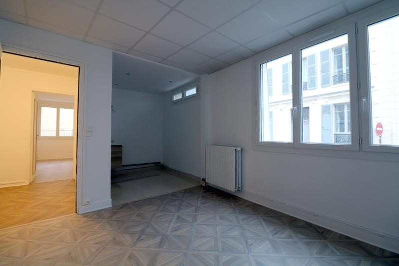 Location local commercial Versailles 1300€ HT/HC - Photo 2