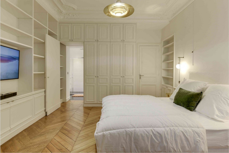 Location appartement Paris 9ème 6 500€ CC - Photo 13