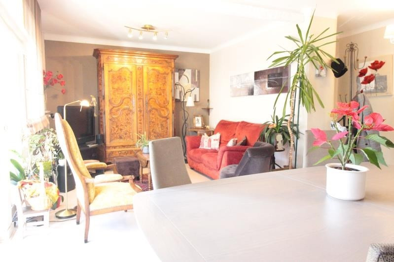Sale apartment Annecy 338 000€ - Picture 2