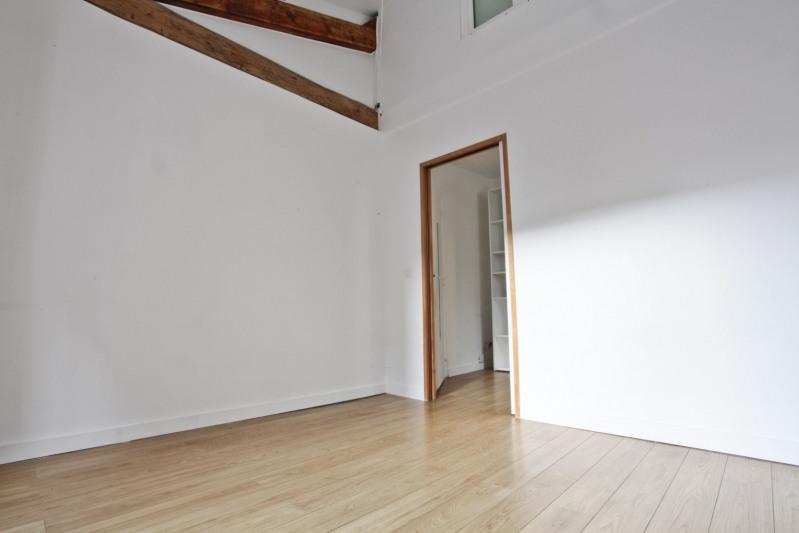 Sale apartment Paris 10ème 700000€ - Picture 6