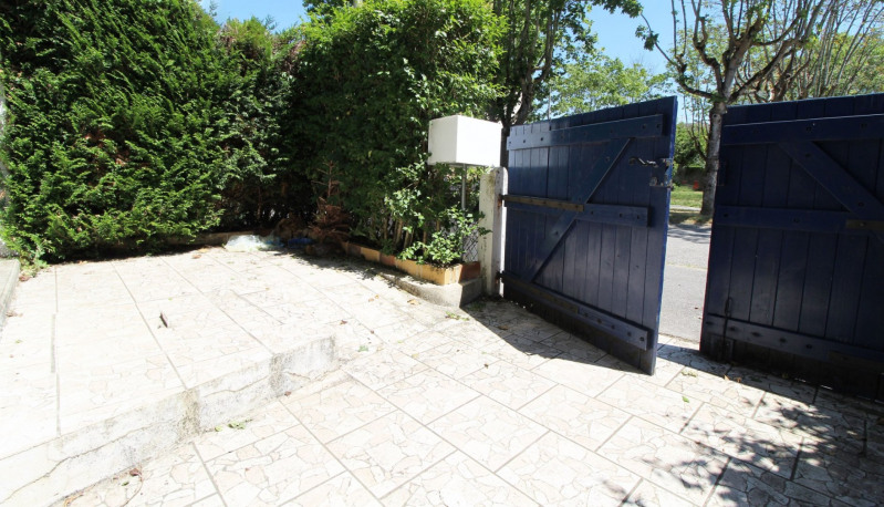 Vente maison / villa Maurepas 239 999€ - Photo 4