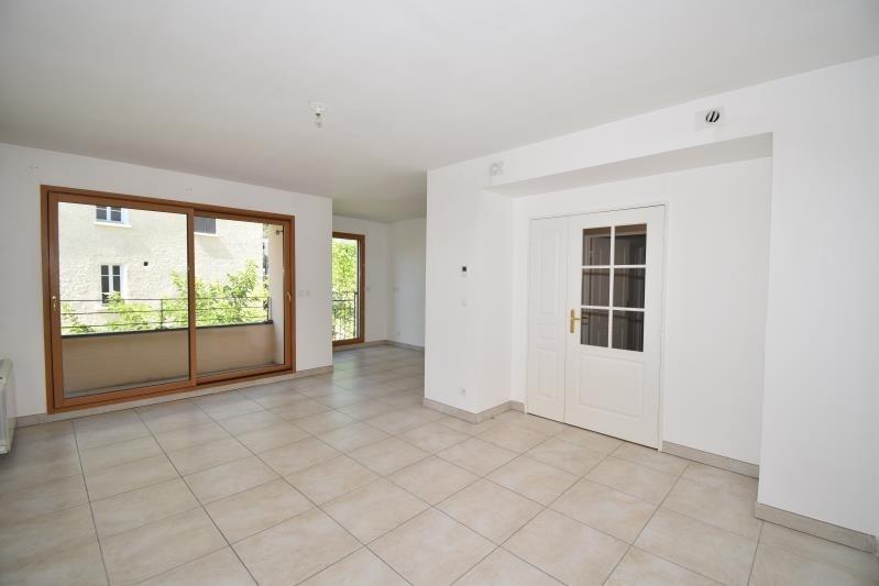 Sale apartment Charbonnieres les bains 340000€ - Picture 2
