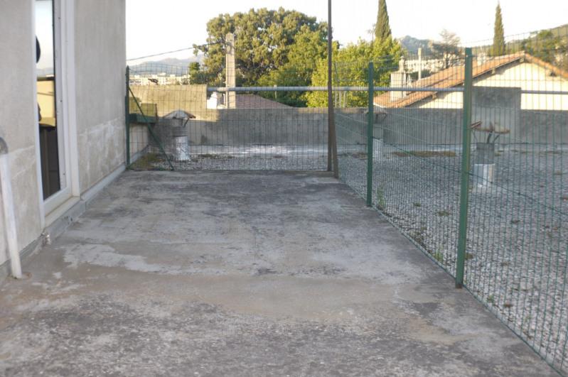 Location appartement Marseille 10ème 1050€ CC - Photo 9