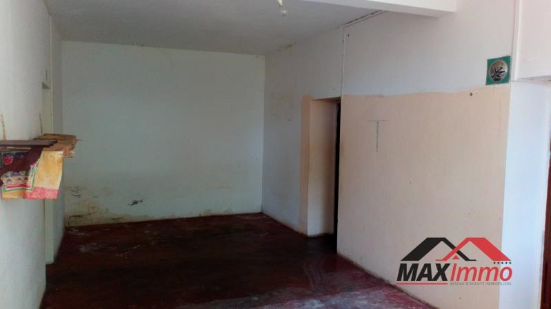 Vente maison / villa Saint joseph 110 000€ - Photo 5