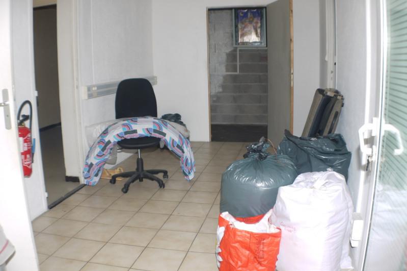 Sale empty room/storage Marseille 4ème 115000€ - Picture 2