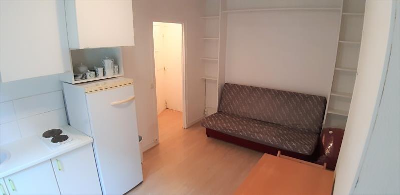 Alquiler  apartamento Paris 18ème 880€ CC - Fotografía 1