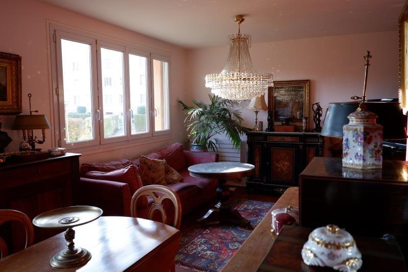 Sale apartment Le mesnil le roi 300000€ - Picture 1