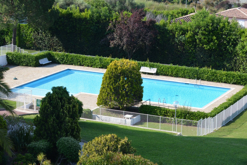 Sale apartment Antibes 243 000€ - Picture 2